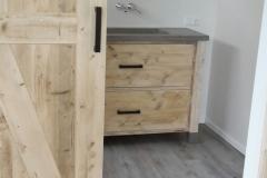 Badkamermeubel_op_maat steigerhout Betonstuc Spiegel_op_maat (2)