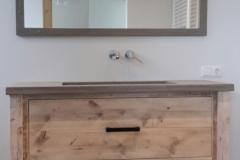 Badkamermeubel_op_maat steigerhout Betonstuc Spiegel_op_maat (3)