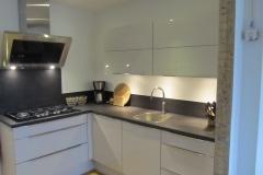 keuken betonstuc zwart hoogglans wit 1