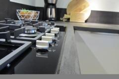 keuken betonstuc zwart hoogglans wit 3